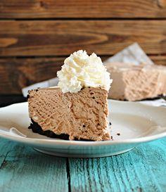 Frozen Hot Chocolate Cheesecake | Chelsea's Messy Apron Hot Chocolate With Cheese, Frozen Hot Chocolate, Hot Chocolate Mix, Chocolate Flavors, Chocolate Desserts, No Bake Pumpkin Cheesecake, Chocolate Cheesecake, Strawberry Cakes, Strawberry Recipes