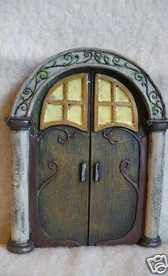 Fairy door | fairiehollow.com