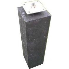 Dit is 'm nu, een betonpoer. Wat kun je ermee? Je schutting vastzetten bijvoorbeeld.