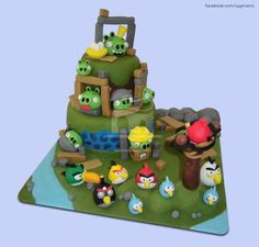 Angry Birds - Angry Birds cake, based on Shereen's Cakes and Bakes' cake