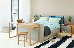 Small bedroom idea with footboard