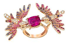 Pierścionek między palce Van Cleef & Arpels: różowe i niebieskie szafiry, diamenty