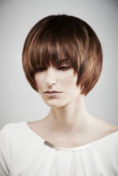 19 Trendsetting Short Brown Hair Colors for 2019 - Style My Hairs Medium Straight Haircut, Brown Straight Hair, Short Brown Hair, Medium Short Hair, Medium Hair Cuts, Short Hair Cuts, Medium Hair Styles, Curly Hair Styles, Medium Brown