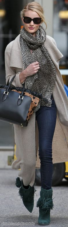 #street #fashion Rosie Huntington-Whiteley fall layers @wachabuy