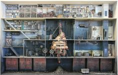 Demented dollhouses of Marc Giai-Miniet: he has an obsession with decaying libraries and science projects. Not a look to reproduce for toddlers, but provocative.