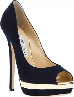 A very elegant black & gold Heel!