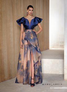 Gala Dresses, Satin Dresses, Elegant Dresses, Cute Dresses, Beautiful Dresses, Casual Dresses, Formal Dresses, Classy Dress, Classy Outfits