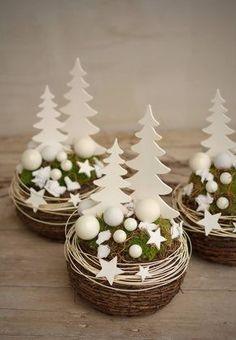Vánoční aranžmá s rostlým mechem