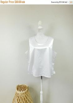 Size Small Vintage mid 90s White Fitted Long Sleeved Mini with Puckered Texture