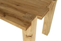 GIADA table - Haute Material (Design: Giuseppe Pruneri)