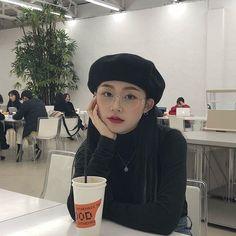 Korean Street Fashion, Korea Fashion, Asian Fashion, Korean Aesthetic, Aesthetic Girl, Cozy Fashion, Girl Fashion, Girl Korea, Ulzzang Korean Girl