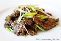Mongolian Beef Recipe - leeks, tenderloin, ginger, garlic, soy sauce, corn starch. #beef #takeout #chinese
