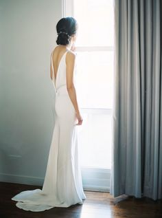 Photography : Sally Pinera | Wedding Dress : A La Robe Read More on SMP: http://www.stylemepretty.com/2016/04/06/spring-garden-wedding-with-a-fashion-forward-twist/