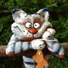 Gartenstecker Beetstecker Katze m. Fisch Keramik Gartendeko Handarbeit frostfest in Garten & Terrasse, Dekoration, Gartenfiguren & -skulpturen | eBay!
