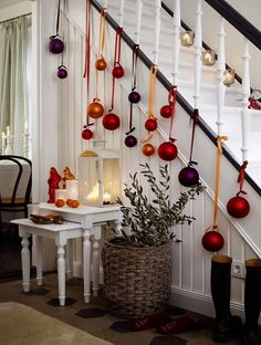 19 Creative Ways Of Decorating With Ornaments Without A Tree #diyhomedecoration #homedecorationcrafts
