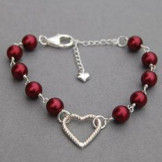 Poppy Red Pearl Heart Bracelet, Pearl Bracelet, Love Token, Romantic Gift for Her on Etsy Wire Jewelry, Jewelry Crafts, Beaded Jewelry, Jewelry Bracelets, Jewelery, Valentine's Jewellery Diy, Fashion Jewelry, Pearl Necklaces, Ankle Bracelets