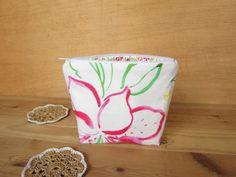 Petit sac motif été fleurs tropicales Trousse par NeedlesOfSvetlana