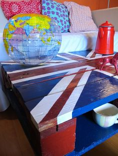 God saved my pallet!  Union jack painted pallet coffee table