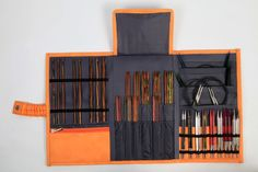 Diy Knitting Needle Case, Knitting Needles, Crochet Tools, Knit Crochet, Pin Cushions, Sewing Patterns, Yarns, Stitches, Artisan