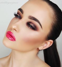 """""""Good morning or night guys! Here is a look a lil different for you! Bold eye & lip  hope you like it  deets..... ✨ brows #anastasiabeverlyhills brow…"""""""