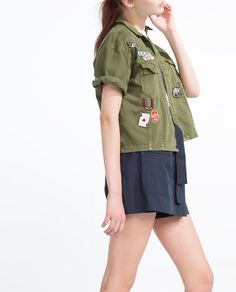 SHORT OVERSHIRT WITH PATCHES
