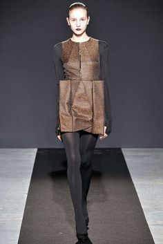 Bruno Pieters Fall 2009 Ready-to-Wear Fashion Show - Dorothea Barth Jorgensen (OUI)