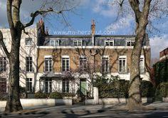 Strolling beautiful Notting Hill