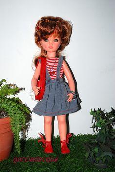 Sylvie OOAK in un repro di 'Lungarno' 1965-66 scarpe e borsa rosse