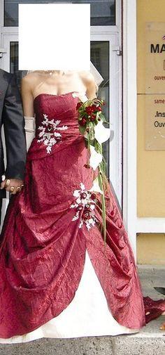 Robe de mariée d'occasion Point Mariage Bordeaux / Champagne et voile - Finistère