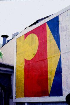 Projeto OUT ART. Manga Rosa. Av. Rebouças - SP. 1982. Vermelho, amarelo e azul. Carlos Alberto Dias. 1982. (Foto jorge Bassani).