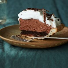 Mile-High Chocolate Pie--like the choc mousse + creme fraiche topping: need a dense chocolate layer at bottom? maybe a brownie base? Chocolate Pie Recipes, Chocolate Wafers, Chocolate Shavings, Chocolate Desserts, Death By Chocolate, Melted Chocolate, Stand Mixer Recipes, Cake Recipes, Dessert Recipes