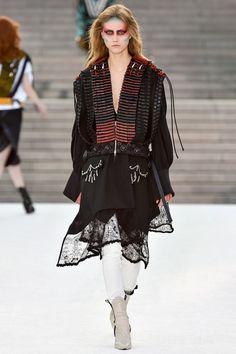 Louis Vuitton x Kansai Yamamoto Resort 2018 Collection Photos - Vogue Style Haute Couture, Couture Fashion, Runway Fashion, Spring Fashion, Womens Fashion, Star Fashion, High Fashion, Fashion Outfits, Vogue