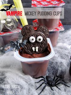 These easy to make Vampire Mickey Pudding Cups would be perfect to hand out at trick-or-treat, for a classroom party, or a fun neighborhood Halloween Healthy Halloween Treats, Halloween Treats For Kids, Halloween Desserts, Cute Halloween, Holiday Treats, Halloween Ideas, Halloween Parties, Family Halloween, Halloween Crafts