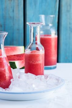 Booze-free doesn't mean boring with these 12 cocktails! Top Drinks, Fruity Drinks, Frozen Drinks, Yummy Drinks, Beverages, Frozen Watermelon, Watermelon Lemonade, Booze Drink, Vegan Hot Chocolate