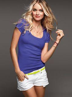 Picture of Lindsay Ellingson Short Outfits, Cute Outfits, Lindsay Ellingson, New Bra, Classy And Fabulous, Fashion Models, Scoop Neck, Victoria Secret, Stylish
