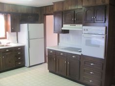 The 12.6 x 12 kitchen is connected to a 12.6 x 10.6 breakfast area.