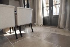 Burgundy stone floorings are beautiful limestone floorings from the Burgundy region in France. De Opkamer has a beautiful collection of these natural stone floorings. Limestone Flooring, Natural Stone Flooring, Belgian Style, Exposed Beams, Flagstone, Stone Tiles, Dining Chairs, House, Floors