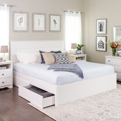 King Select 4 - Post Platform Bed with 4 Drawers White - Prepac - dekoration White Platform Bed, King Platform Bed, Bedroom Furniture, Bedroom Decor, Bedroom Ideas, Bedroom Storage, White Furniture, Bed Ideas, Bedding Decor