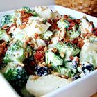 Fresh Broccoli Salad--If this is anything like Honeybaked's Broccoli Bliss Salad…YUM!! :D