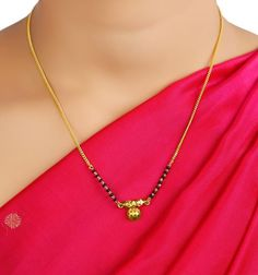 Gold Bangles Design, Gold Earrings Designs, Gold Jewellery Design, Necklace Designs, Handmade Jewellery, Gold Mangalsutra Designs, Gold Jewelry Simple, Gold Fashion, Indian Fashion