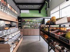 Quitanda La Fruitiére | conectarq Supermarket Design, Retail Store Design, Fruit And Veg Shop, Small Apartment Kitchen, Food Retail, Facade Design, Shop Interiors, Shop Interior Design, Restaurant Design