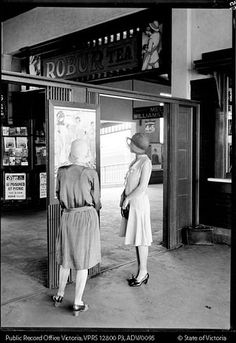 a couple of Melbourne flappers,1920s