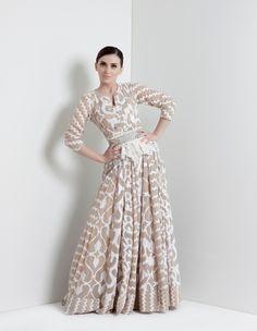 NoonoPink, Abaya, bisht, kaftan, caftan, jalabiya, Muslim Dress, glamourous middle eastern attire, takchita