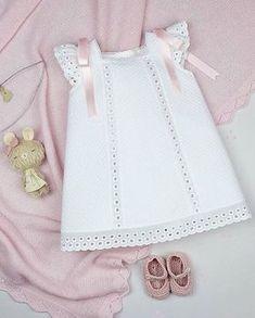 Me gusta, 24 comentarios - Moda Infantil Made In Spai Dresses Kids Girl, Girl Outfits, Baby Girl Fashion, Kids Fashion, Baby Knitting, Crochet Baby, Kleidung Design, Toddler Dress, Kid Styles