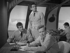 Richard Basehart, Robert Dowdell, and David Hedison in Viaje al fondo del mar (1964)