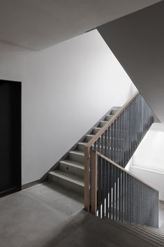 Gallery of Residential Housing in Kőbánya / Épitész Stúdió - 14 Stair Handrail, Staircase Railings, Stairways, Railing Design, Staircase Design, Interior Stairs, Interior Architecture, Stone Barns, Modern Stairs