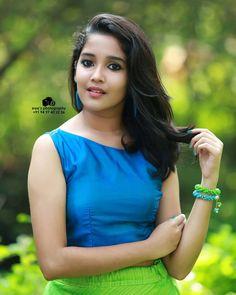 Anika 😍 Photograph of Anikha Surendran INTERNATIONAL FRIENDSHIP DAY - 30 JULY PHOTO GALLERY  | PBS.TWIMG.COM  #EDUCRATSWEB 2020-07-30 pbs.twimg.com https://pbs.twimg.com/media/EeJYtWdUwAADrdk?format=jpg&name=small