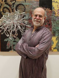 Robert Kushner born 1949 Pasadena CA is an American contemporary painter who is known especially for his involvement in Pattern and Decoration He has bee Artist Art, Artist At Work, Robert Kushner, Camille Pissarro, Geometric Background, Pattern And Decoration, Henri Matisse, Medium Art, Art Studios