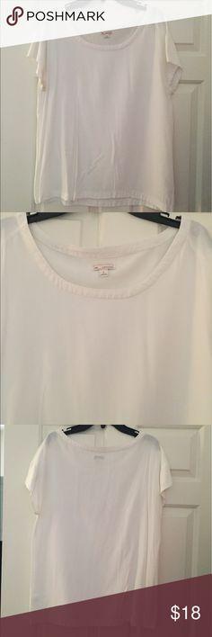 Gap short sleeve dress top Gap short sleeve dress top. White GAP Tops Blouses