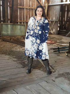 The Emily is the dress of my dreams. Why? It's a long-sleeve tunic dress. I need all of the long sleeves as we head into the winter months here in Wisconsin. | LuLaRoe Emily Price